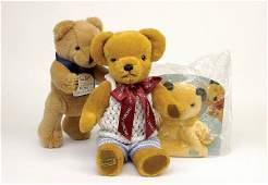 1614: A collection of modern plush teddy bears