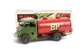 3153: Triang Minic No.15M post-war Petrol Tanker