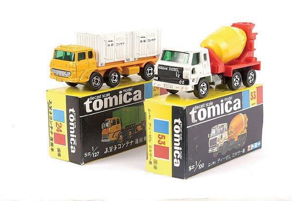 4015: Tomica No.24 Mitsubishi Fuso Container Truck