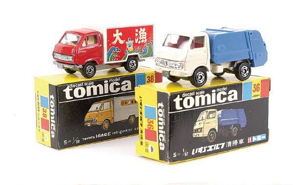4020: Tomica No.36 Isuzu Elf Refuse Truck