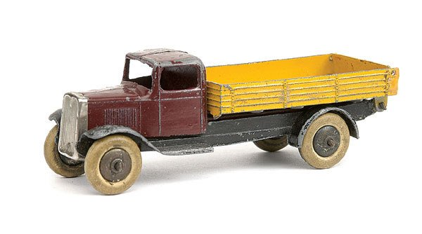 9: Dinky No.25e Tipping Wagon