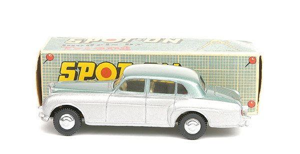 1013: Spot-On No.102 Bentley Saloon