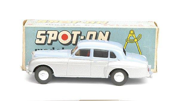 1014: Spot-On No.102 Bentley Saloon card.