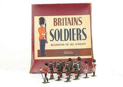 22: Britains-Set9428-Drum & Pipes of the Irish Gds