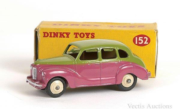 1002: Dinky No.152 Austin Devon Saloon