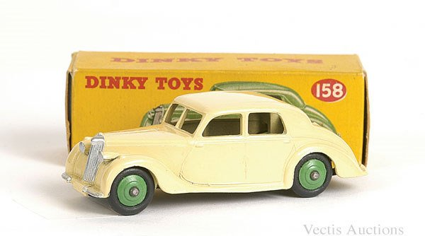 1009: Dinky No.158 Riley Saloon