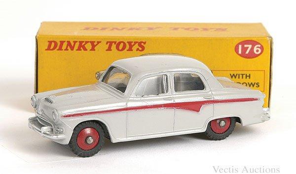 1017: Dinky No.176 Austin A105 Saloon