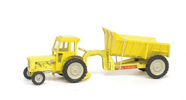 1777: Britains Fordson Tractor