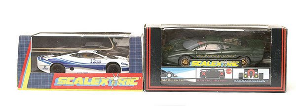 2: Scalextric Jaguar XJ220 NSCC 20th plus (2)