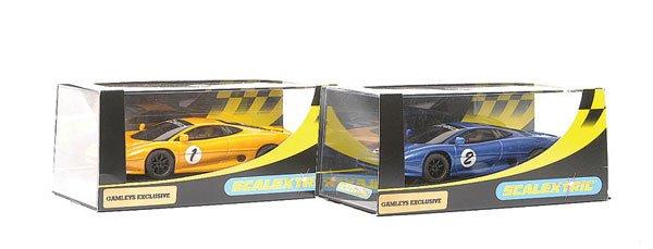 3: Scalextric C2323 Jaguar XJ220 Gamleys plus (2)