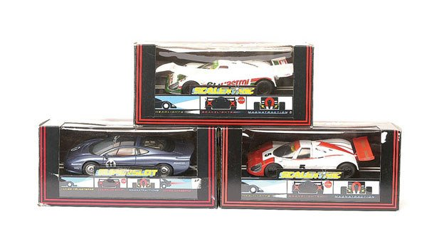 6: Scalextric - a group of 6 Jaguars