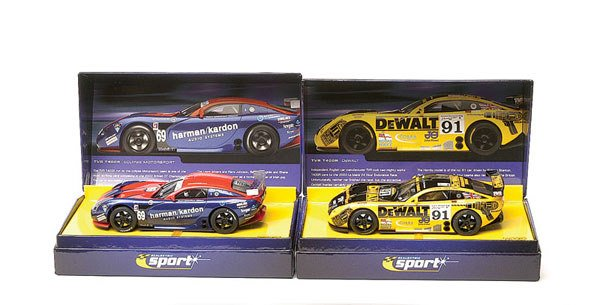 19: Scalextric - a group of 3