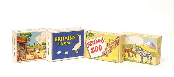 1016: Britains - a group of 4