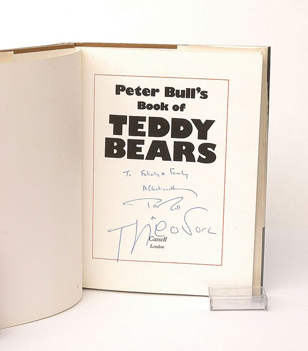 2002: Peter Bull's Book of Teddy Bears