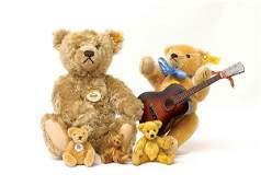 2349: Steiff Billy musical teddy bear