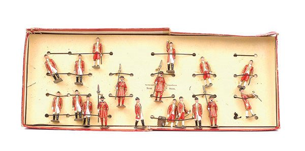 2013: Britains-Set1475-Beefeaters,Outriders & Footmen