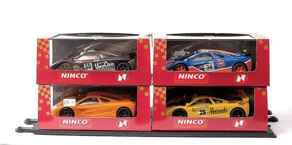 454: Ninco - a group of 5 McLaren F1 GTR