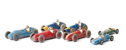 565: Dinky - group of Racing Cars