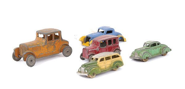 1008: Tootsietoy and Other Diecast Cars