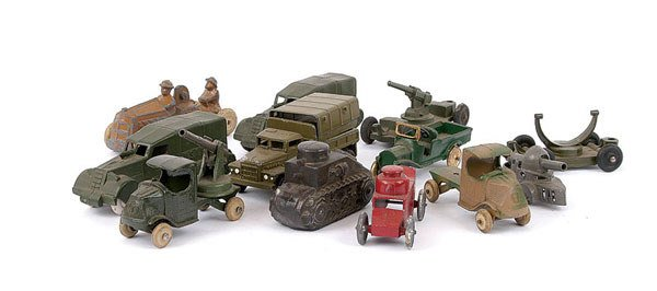 1014: Tootsietoys and Other Military Vehicles