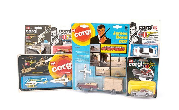 "1011: Corgi Juniors - a group of 6 ""007"" Models"