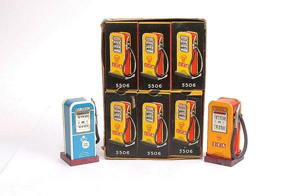 2654: Schuco 5506 Phanomenal Petrol Pumps