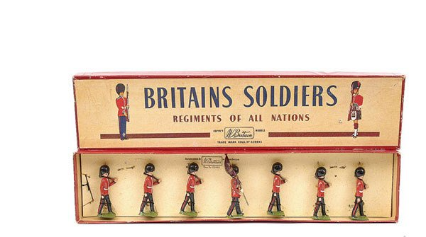 3019: Britains-Set82-Colours & Pioneers - Scots Guards