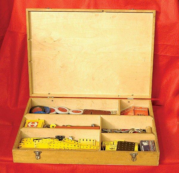 4001: Meccano 1970 Dealer's Wooden Box