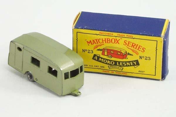 811: Matchbox No.23-2 Berkeley Caravan Trailer