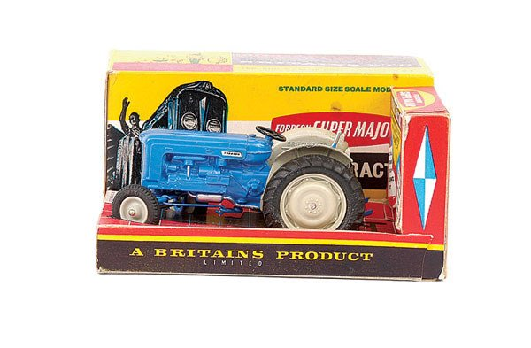 4002: Britains No.9525 Fordson Super Major Tractor