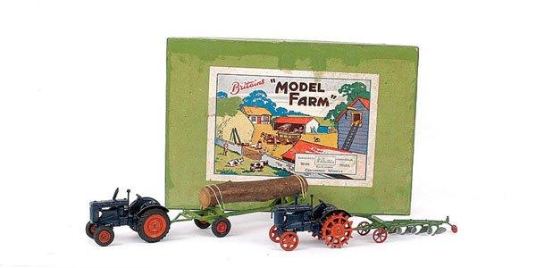"4007: Britains No.146F ""Model Farm"" Gift Set"