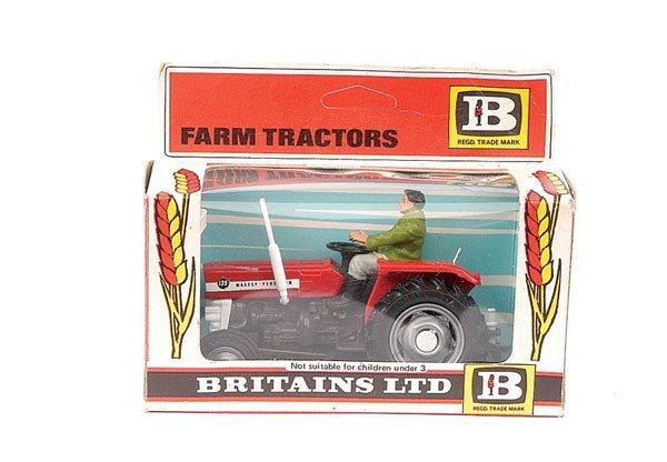 4014: Britains No.9520 Massey Ferguson Tractor
