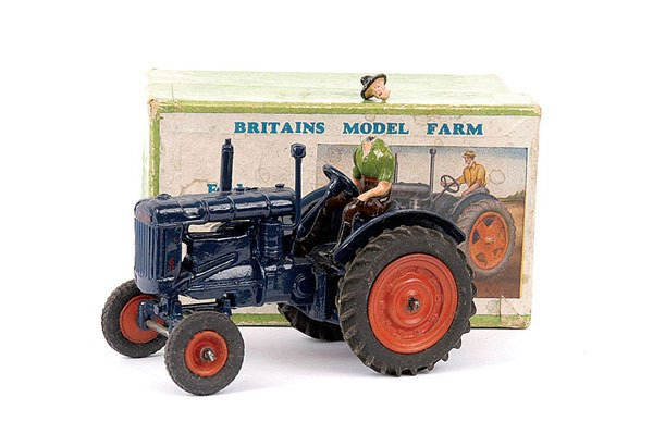 4016: Britains No.128F Fordson Major Tractor
