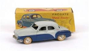 4109: CIJ No.352 Renault 4-door Saloon