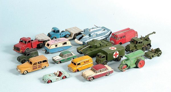 20: 16 x Unboxed Dinky Toys