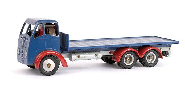 1001: Shackleton Foden 6-wheel Flatbed Lorry