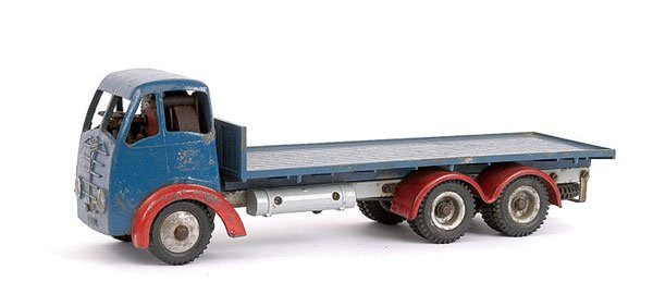 1002: Shackleton Foden 6-wheel Flatbed Lorry