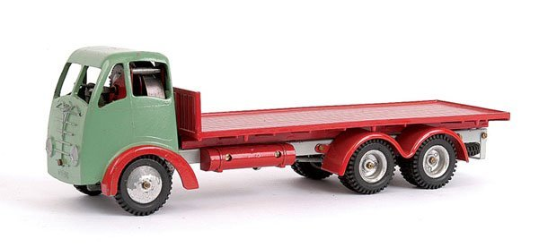 1007: Shackleton Foden 6-wheeled Flatbed Lorry