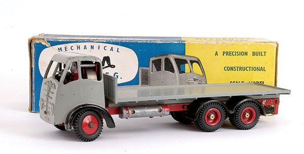 1009: Shackleton Foden 6-wheeled Flatbed Lorry