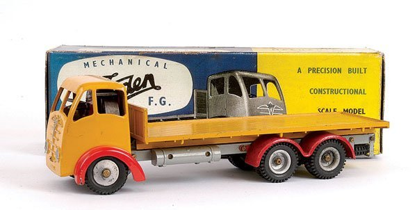 1011: Shackleton Foden 6-wheeled Flatbed Lorry