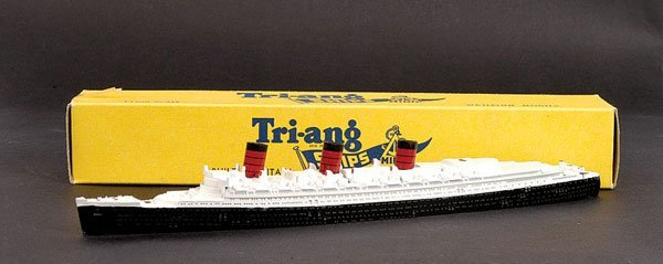 1021: Triang Minic Ships M703 RMS Queen Mary