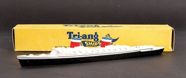 1022: Triang Minic Ships M704 SS United States