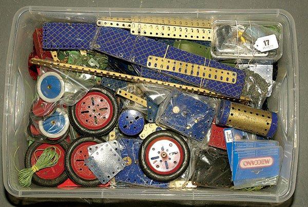 3017: Meccano Pre-war Blue and Gold Components