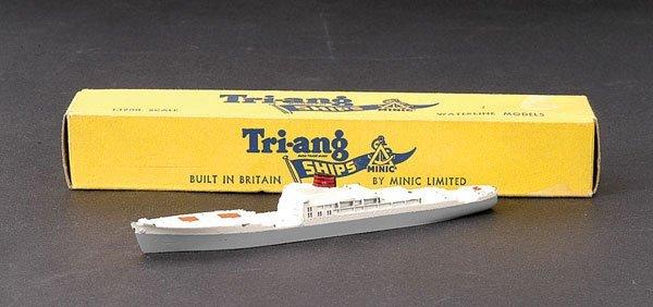 10: Minic Ships M716 Port Brisbane