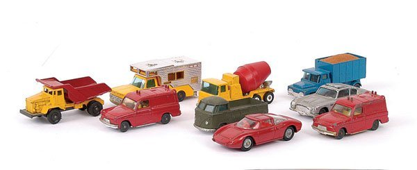 20: Husky Small Scale Diecast Vehicles