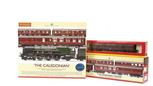 3003: Hornby R2306 The Caledonian Train Pack