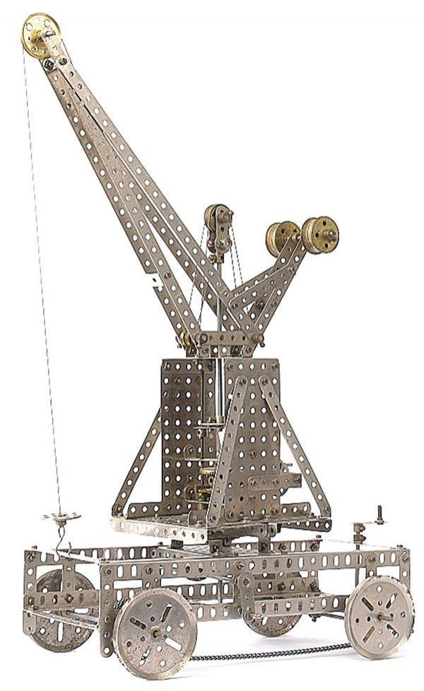 4009: Meccano Self Propelled Crane