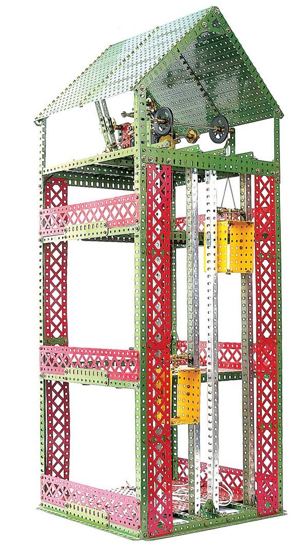 4010: Meccano Goods Warehouse with Electric Elevators