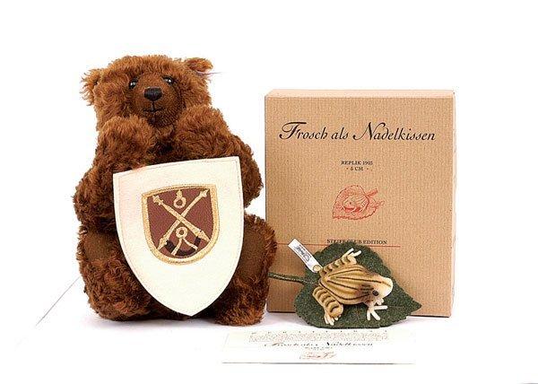 19: Steiff Belgium teddy bear
