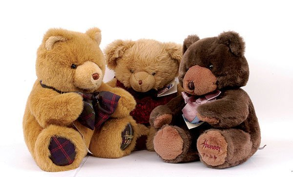 22: Seven Harrods Christmas plush teddy bears